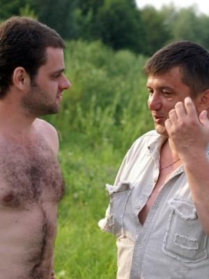 С сыном Владимира Жильцова - Иваном у реки Оки, 10-11.07.2010г.
