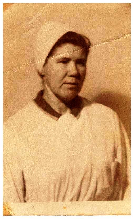 Бабушка, Самаковская Евдокия Александровна (1925-2004г.г.),пос.Сухобезводное,1970-е. Она то и приехала из Тамбова в 1940-м в наши лагерные места...